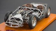 Модель автомобиля Maserati 300 S 1956 Rolling Chassis Including Wood Plate Limited Edition 3000 pcs.